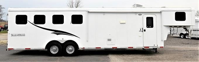 2015 Bison Trailers 7410 Trail Hand Horse Trailer