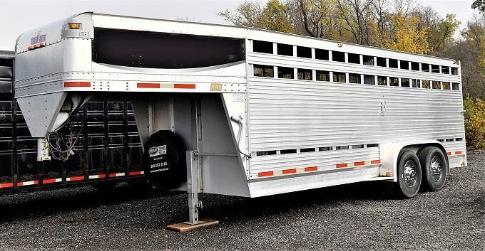 2005 EBY Livestock Horse Trailer