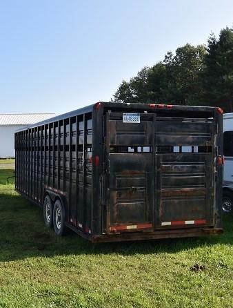 1999 Diamond D Stock Horse Trailer