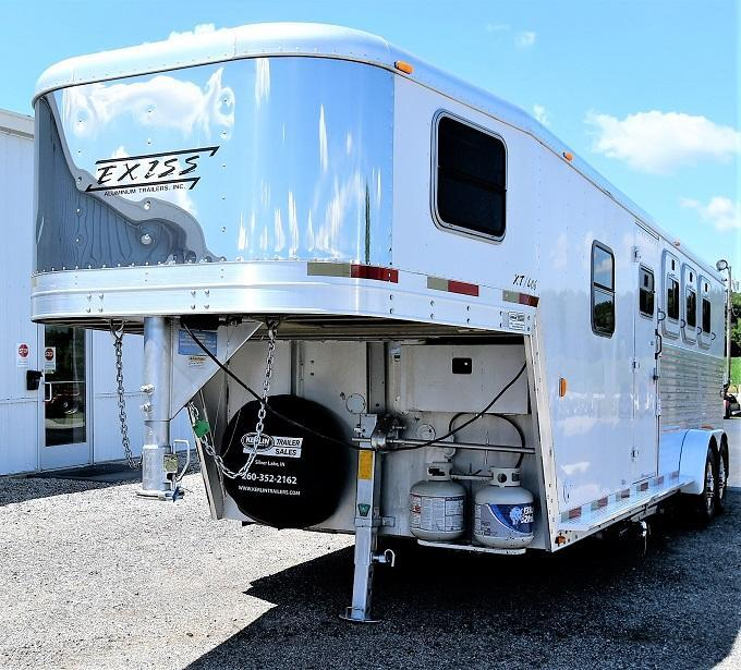 2002 Exiss Trailers XT406 Horse Trailer
