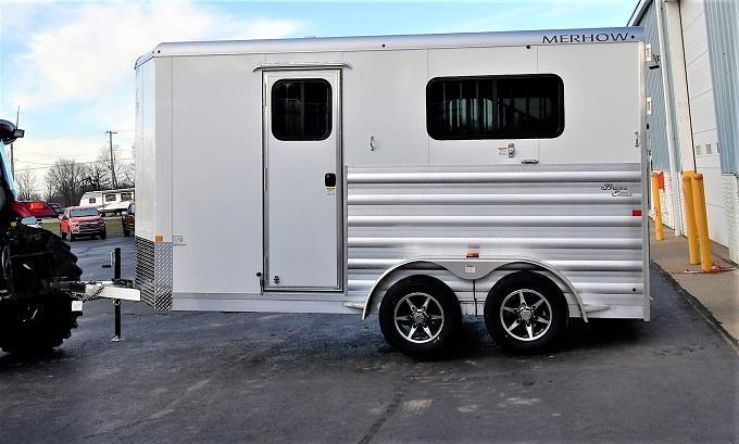 2021 Merhow Bronco Straight load Horse Trailer