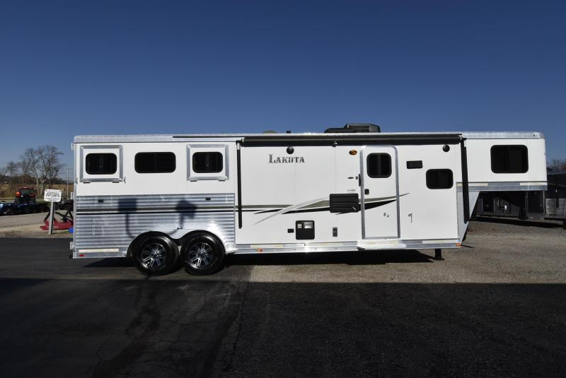2014 Lakota 7311 Charger Horse Trailer