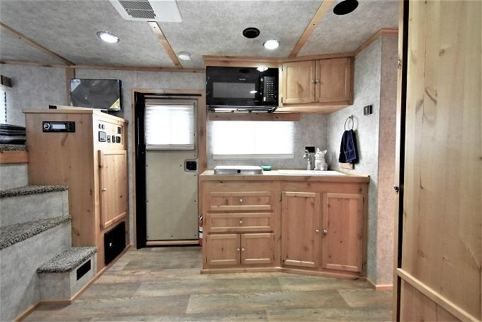 2021 Logan Coach 812 Limited Horse Trailer