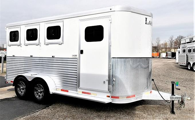 2017 Lakota Charger 3-H Slant BP Horse Trailer