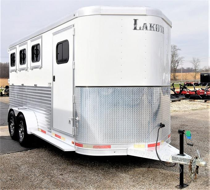 2017 Lakota Charger 3-H Slant BP Horse Trailer