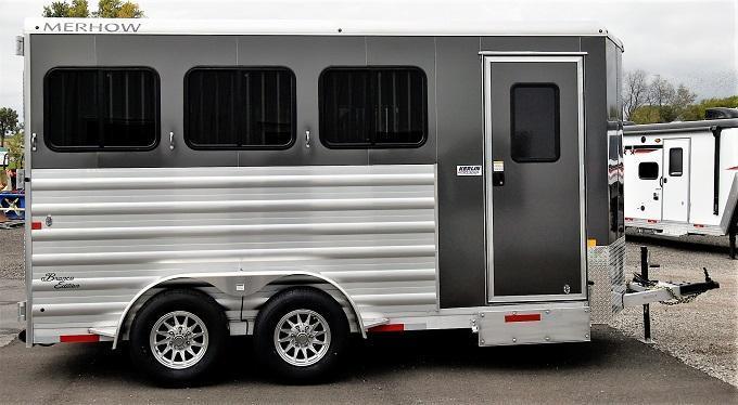 2022 Merhow Trailers Bronco BP 3-H Horse Trailer