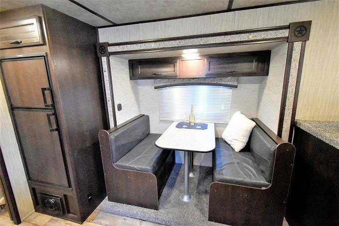 2020 Bison Trailers 7311 Trail Boss Horse Trailer