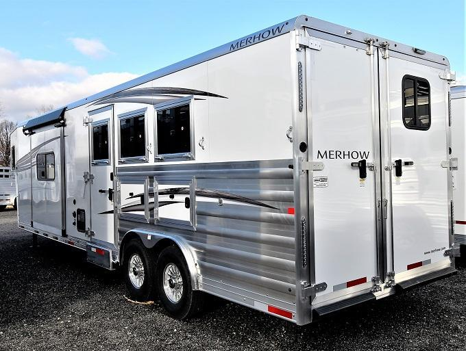 2021 Merhow Trailers 8314 Next Generation Riser Wall Sofa Horse Trailer