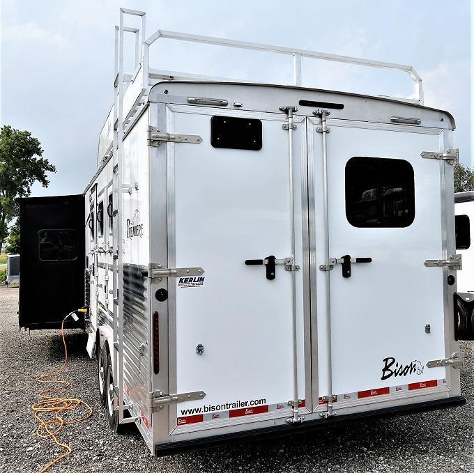 2022 Bison Trailers 8317 Premiere Horse Trailer