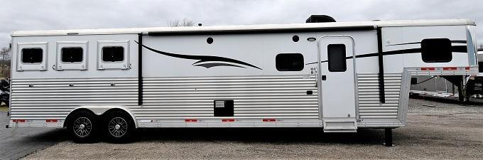 2015 Bison Trailers 8313 Silverado Bar Galley Horse Trailer