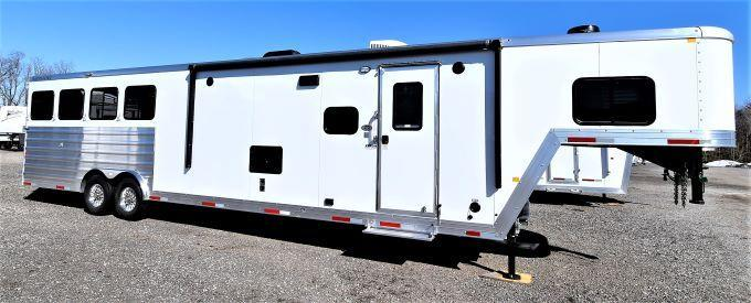 2021 Merhow Trailers 8414-B-RWS Stampede Horse Trailer
