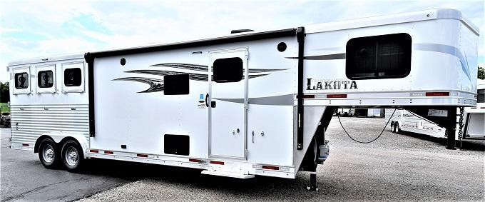 2021 Lakota 8311 Charger Riser Wall Sofa Horse Trailer