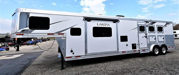 2021 Lakota Charger 8315 Horse Trailer