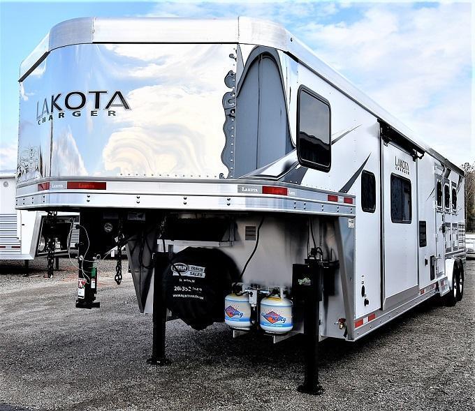 2021 Lakota Charger 8315 Horse Trailer
