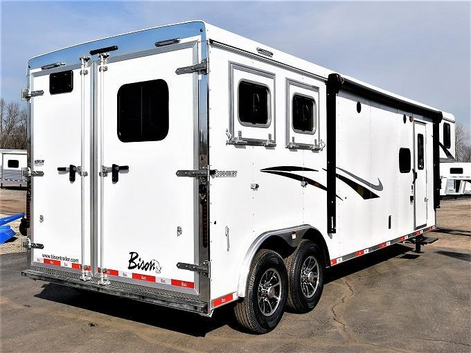 2021 Bison Trailers 8211 Ricochet Horse Trailer