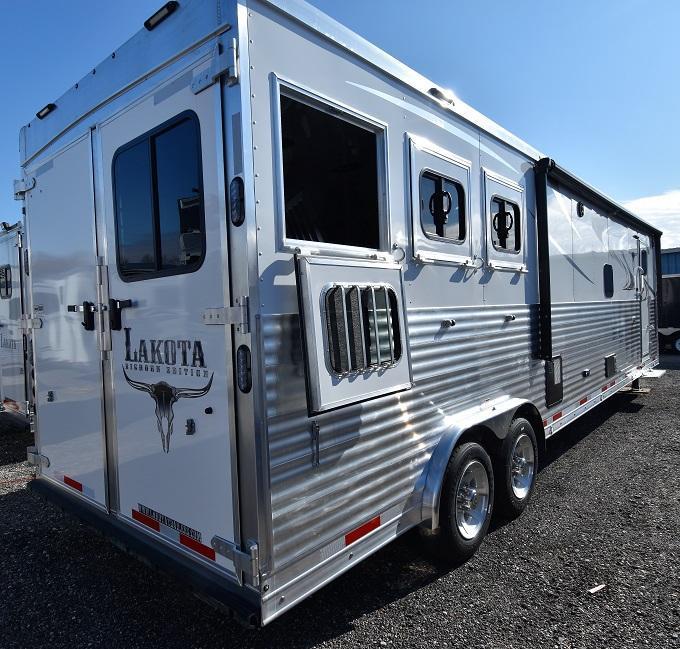 2020 Lakota 8317 Bighorn Big Bathroom Horse Trailer