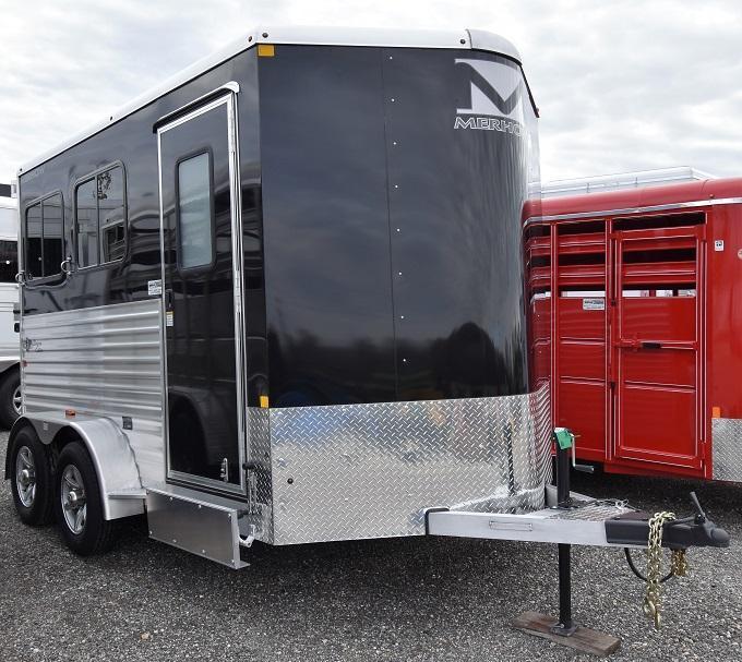 2020 Merhow Trailers Bronco Horse Trailer