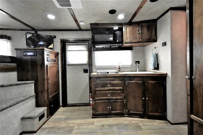 2021 Logan Coach 812 Limited Side Load Full Rear Tack Horse Trailer