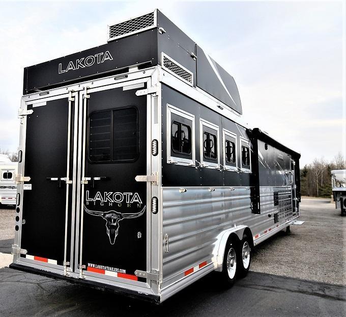 2021 Lakota Bighorn 8417 Horse Trailer
