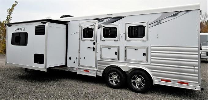 2021 Lakota Charger 8313 RKB Horse Trailer