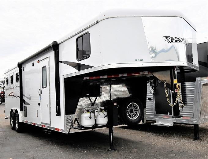 2021 Bison Trailers RICOCHET Horse Trailer