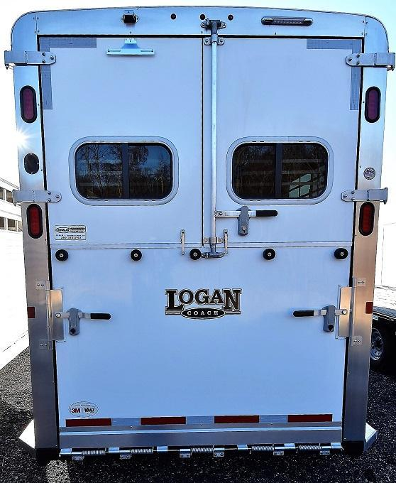 2020 Logan Coach Warmblood 2+1 Horse Trailer