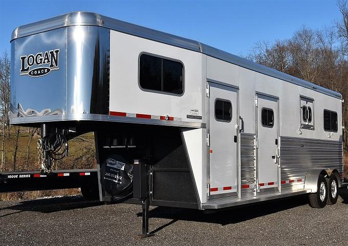 2020 Logan Coach Warmblood 2+1 Horse Trailer