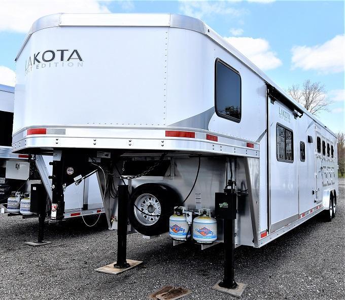 2021 Lakota 8415 Colt Horse Trailer