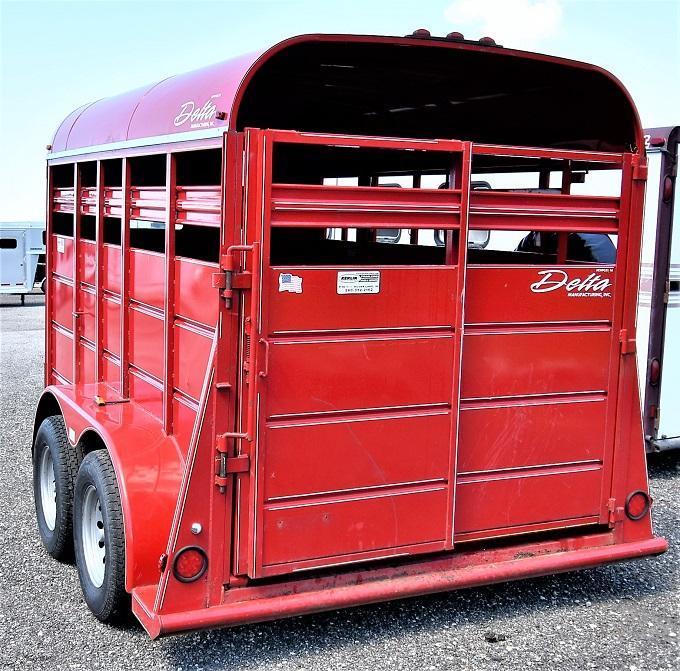2011 Delta Manufacturing 500 Series 12' stock Horse Trailer