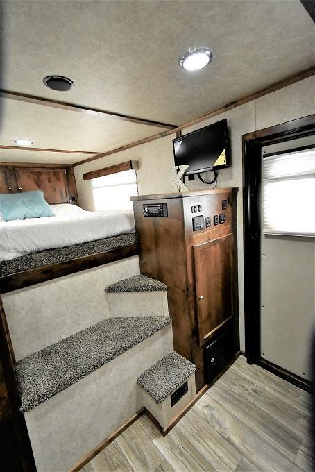 2022 Logan Coach 812 Limited Side Load Full Rear Tack Horse Trailer