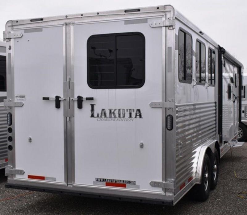 2019 Lakota Charger 839 Horse Trailer