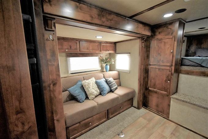2020 Logan Coach 812 Select Horse Trailer