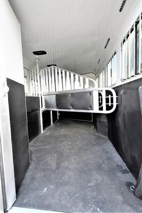 2021 Merhow Trailers 8414 Stampede Dual Aisle Horse Trailer