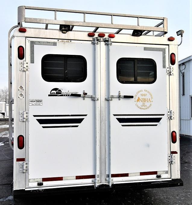 1996 Sundowner Trailers 8010 725 Sierra w/Midtack Horse Trailer