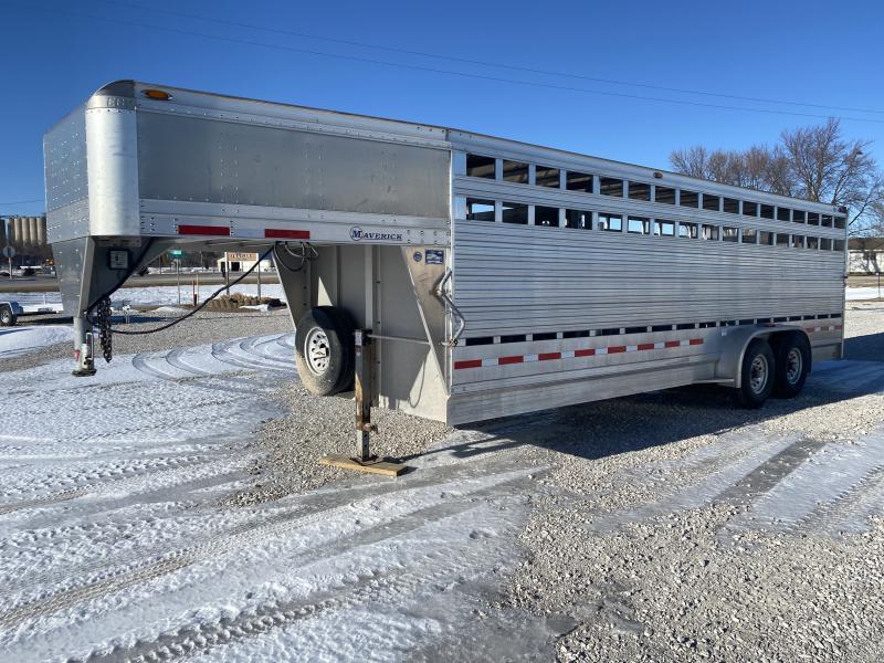 2012 EBY Eby Maverick GN 7X24 Livestock Trailer