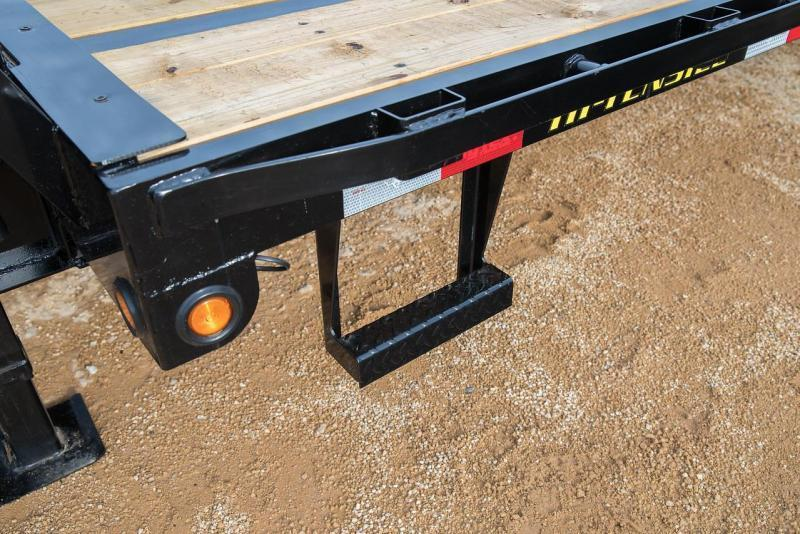 Big Tex Trailers 14GN-20+5 Single Wheel Equipment Trailer