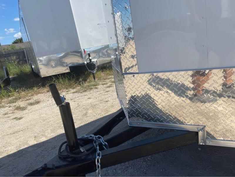 Texas Select 5X8 ENCLOSED TRAILER SINGLE  DOOR CARGO TRAILER Enclosed Cargo Trailer