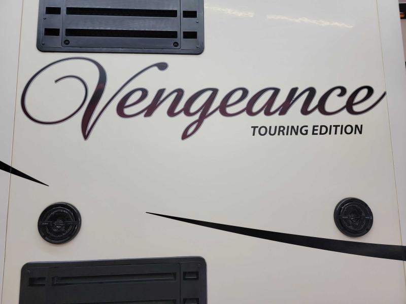 2015 Vengeance 39B12 Toy Hauler RV