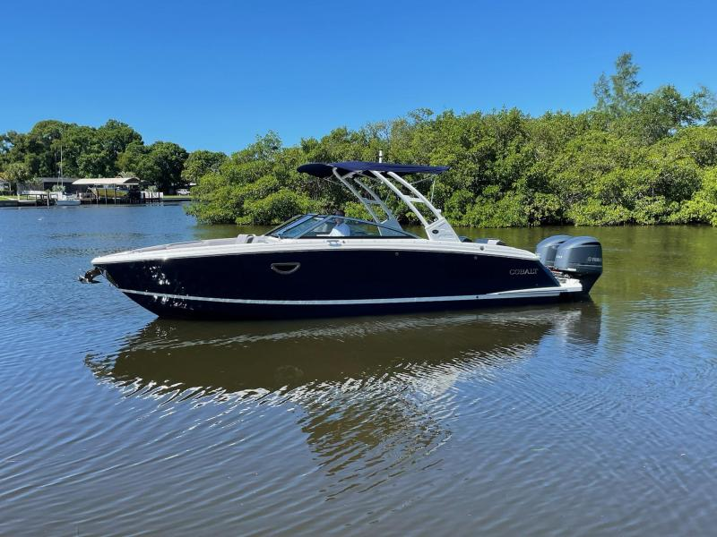 2021 Cobalt Boats R8 Outboard
