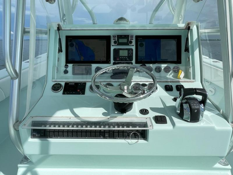 2009 SeaVee 390B Center Console