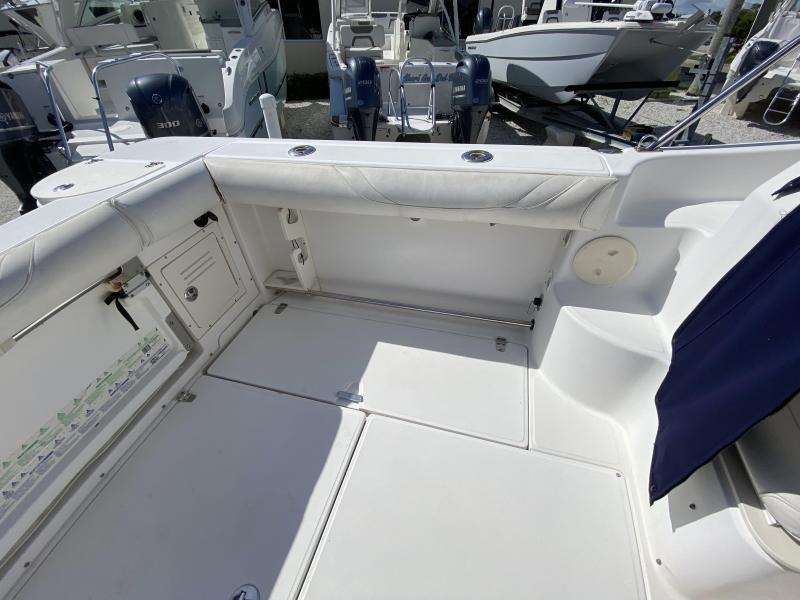2002 Boston Whaler 255