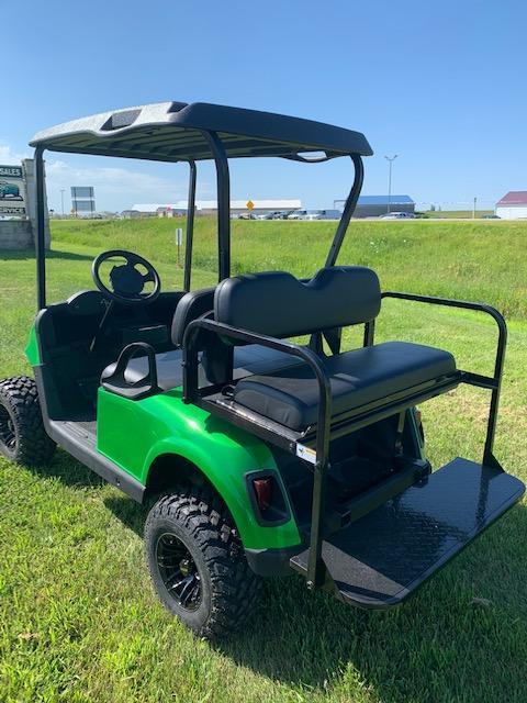 2016 E-Z-GO Golf Cart 40- $6500