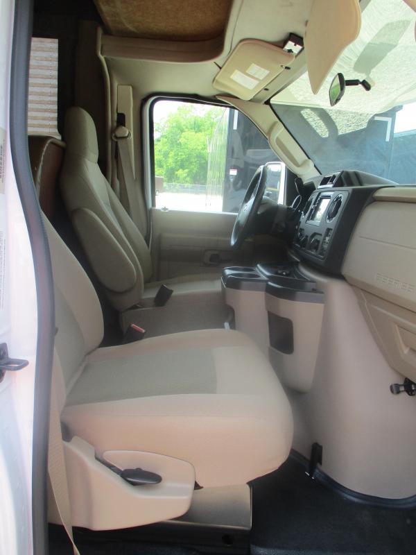 2015 Thor Motor Coach Freedom Elite 23H Class C RV
