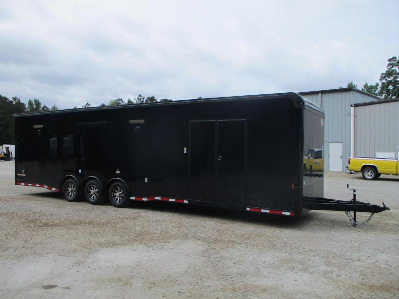 BLACKOUT 2022 Cargomate Eliminator SS 34' with Cabinets on the Sidewall