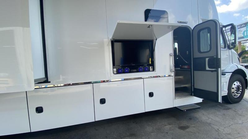 2021 Elliott's Custom Motorcoach By Bolt