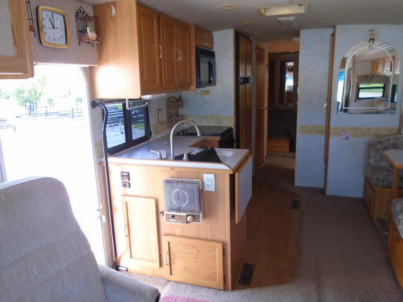 2002 Winnebago Itasca Sunrise MPV IFF34D WORKHORSE Class A RV
