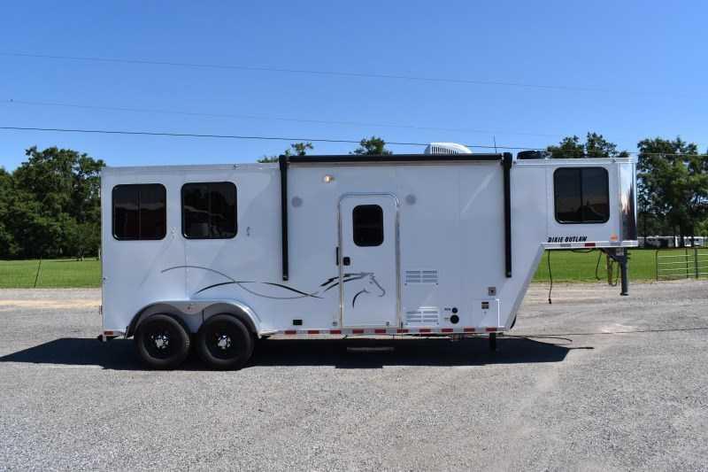 2022 Harmar Dixie Outlaw 7207GLQ Horse Trailer