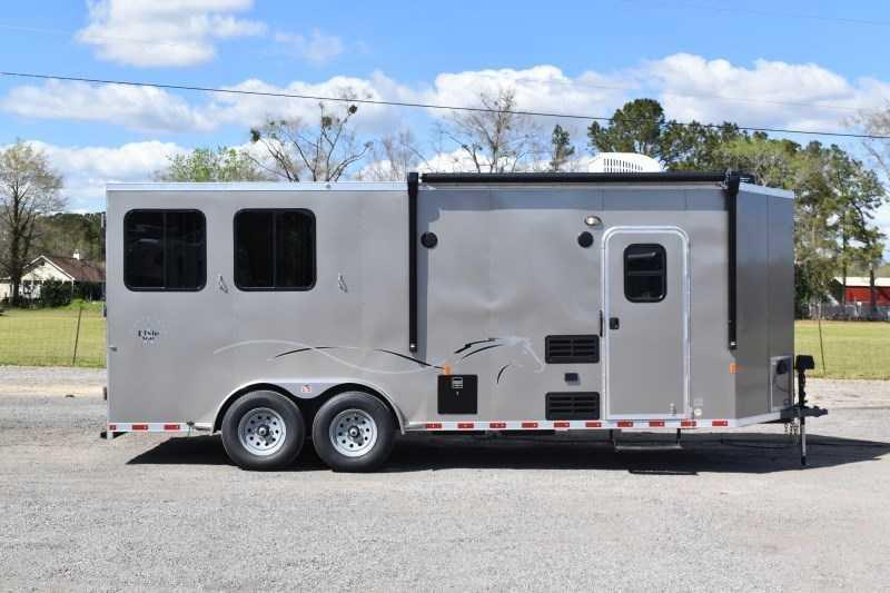 2022 Harmar Dixie Star 802BPLQ Horse Trailer