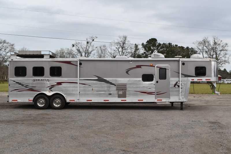 2011 Bison Trailers Silverado 8316SS Horse Trailer