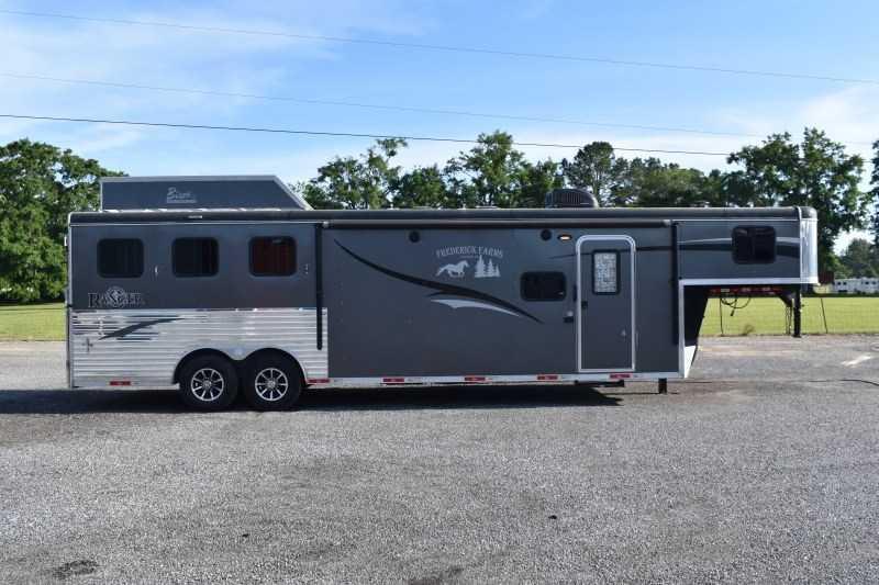 2018 Bison Trailers Ranger 8311 Horse Trailer